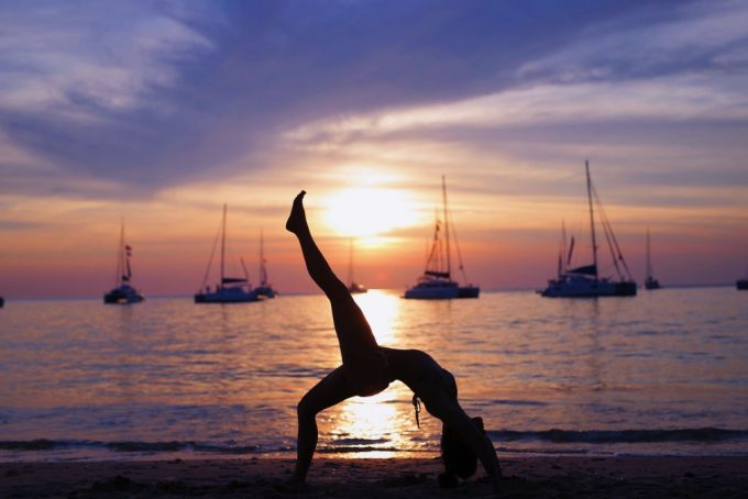 sunset-yoga-on-the-beach-cizenbayan-wheel