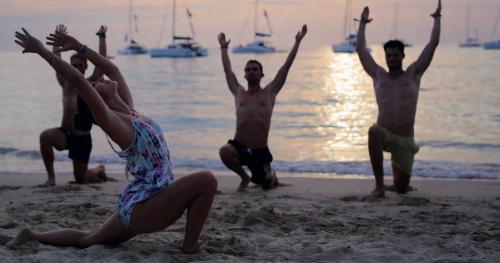 Andaman Denizi'nde Yoga