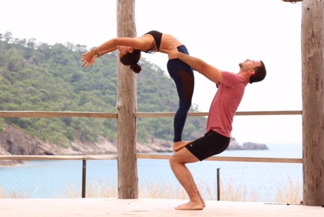 acro-cizenbayan-soner-yoga-kabak