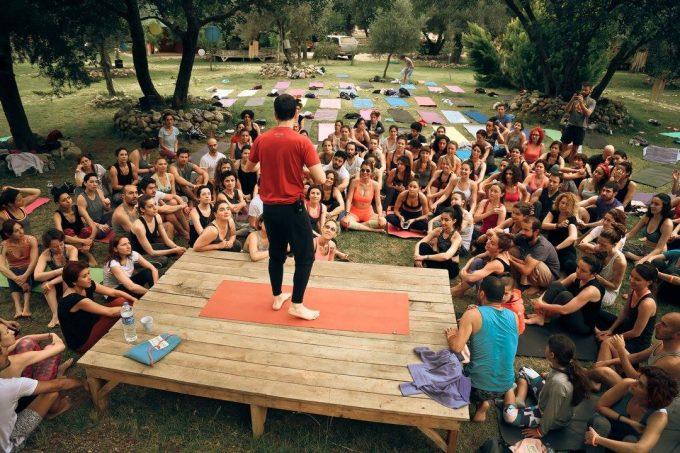 konyogi-teaching-yoga-konstantinos-teacher-kabak-valley-class-dream-yoga-festival