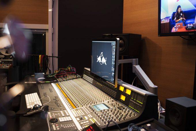rbma-montreal-recording-studio-analog-synth