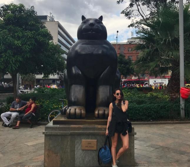 botero-parque-medellin-colombia-cizenbayan